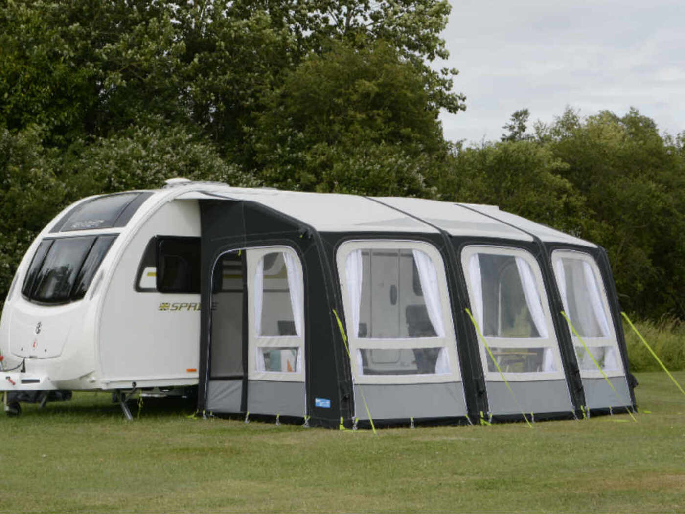 kampa ace air pro 500 caravan awning homestead caravans. Black Bedroom Furniture Sets. Home Design Ideas