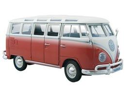 Maisto Special Edition Volkswagen Van Samba Red