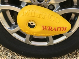 Mileno Wraith Caravan Wheel Lock & Heavy Duty AKS3004 Hitchlock Package